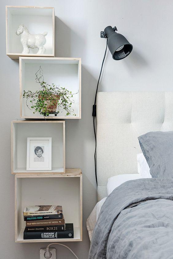Scandinavisch zwevend nachtkast ideeën en voorbeelden van een cubus aan de muur